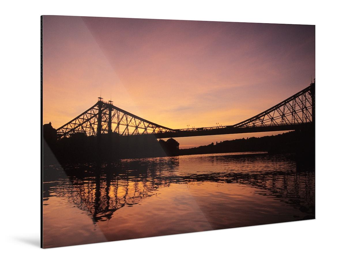 printing photographs on metal: Aluminum Dibond