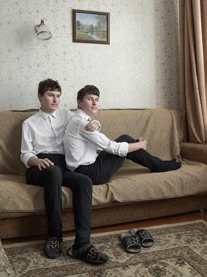 "Foto: Snezhana von Buedingen, aus dem Projekt ""Twins"", ProfiFoto New Talent Award – powered by Canon"
