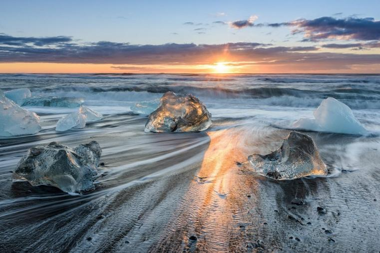 Icy sunrise - Jokulsarlon - Bart Simpson